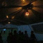 Lampičky v hangáru
