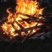 Závěrečný táborový oheň