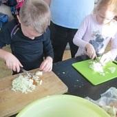Příprava oběda - Chlebík, Nudlička