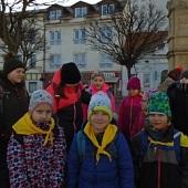 Čekáme na autobus do Mníšku