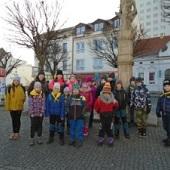 Čekání na autobus do Mníšku