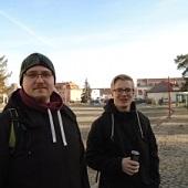 Čekáme na Dobříši na autobus - Mráček, Janek
