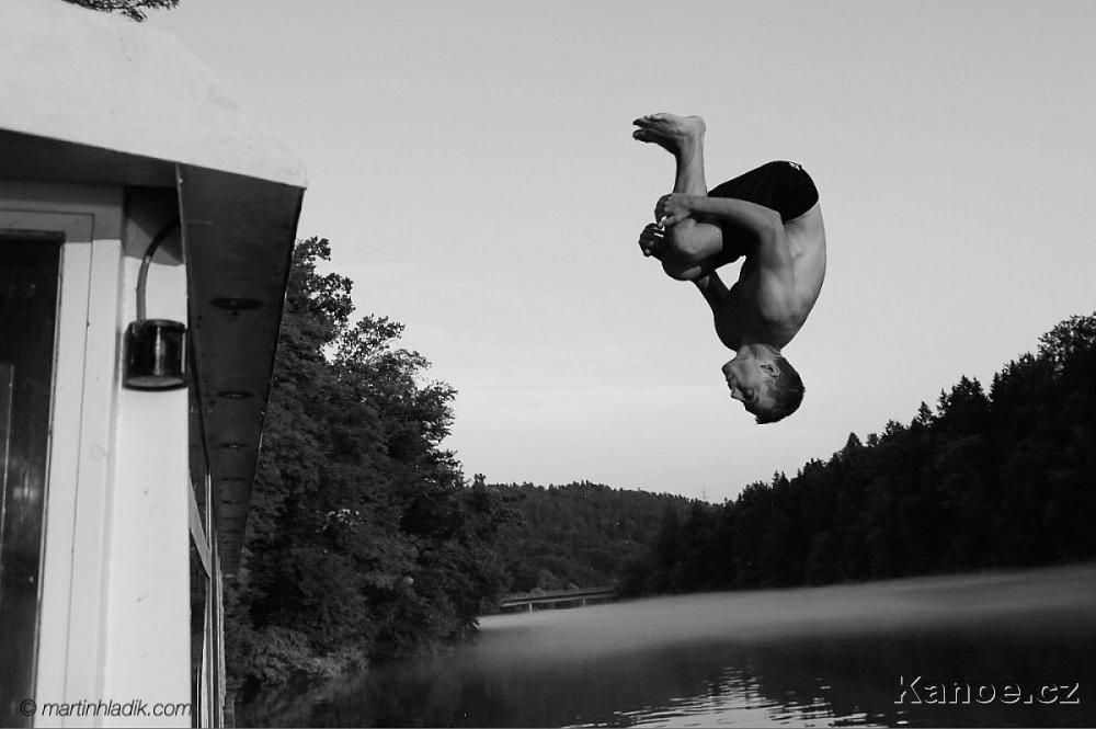 Skoky do vody v Tacenu