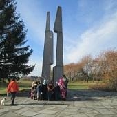 Na procházce k památníku